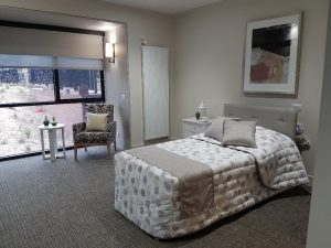 EN7 custom Alrick bed